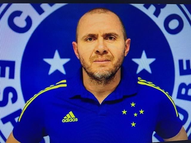 Mozart, técnico do Cruzeiro, se tornou grande produtor de cachaça, mesmo antes de parar de jogar. América continua procurando treinador
