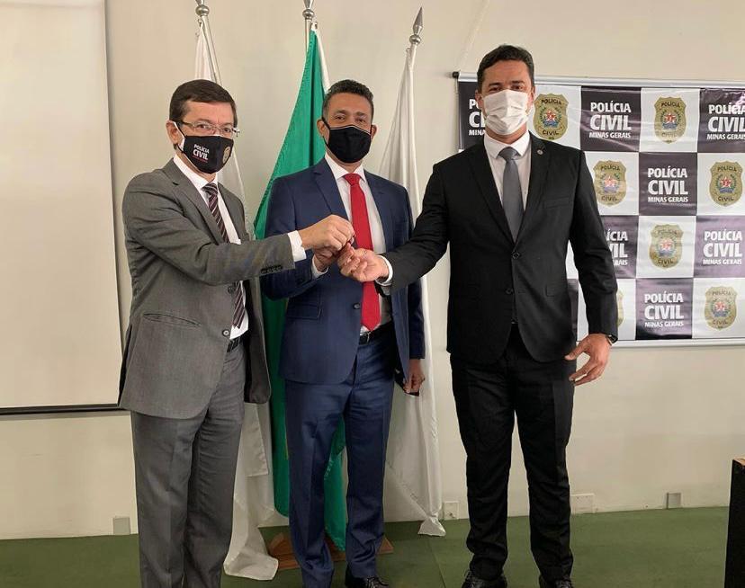 Deputado Douglas Melo entrega laboratório de combate a corrupção