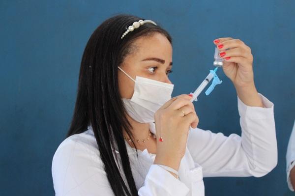Semana de vacinação será intensa: chegou a vez de pessoas com 57, 58, 59 anos e grávidas