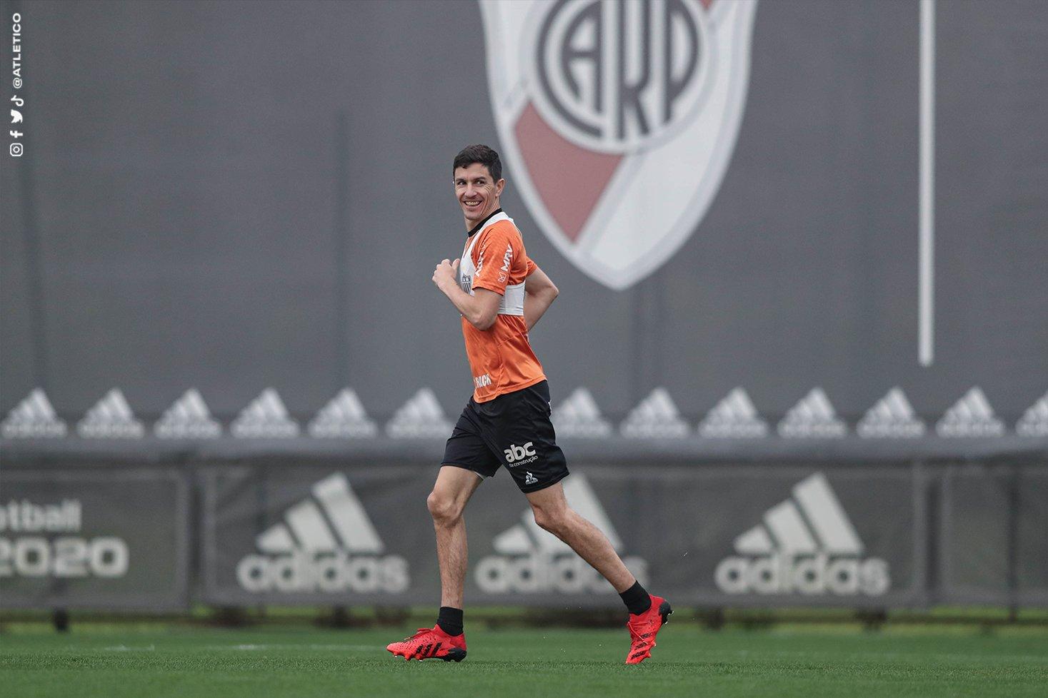 Sem a torcida do Boca presente, grande oportunidade para arrancada do Atlético em La Bombonera