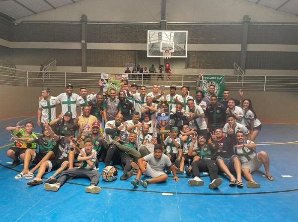 Parabéns ao Bem Bolado Futebol Clube (BBFC), que foi o campeão da Copa Futsal Seven Cup 2021 no domingo passado (25), em final disputada no Ginásio Coberto, da Prefeitura de Sete Lagoas.